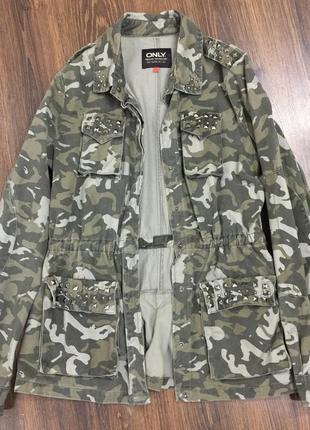 Камуфляжная, лёгкая куртка