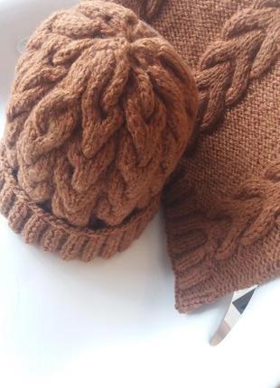 Комплект теплая шапка вязаная косами и снуд / хомут зима