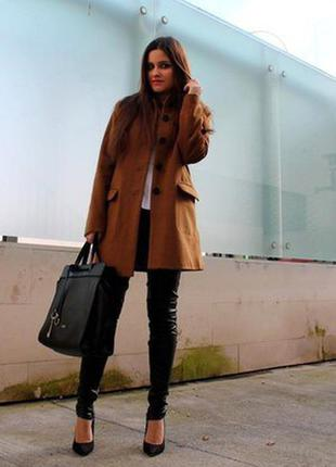 Бежевое шерстяное тёплое пальто