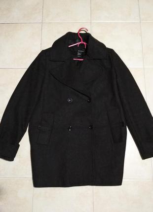 Осенне-весеннее (демисезонное) шерстяное пальто