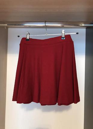 Красная юбка bershka