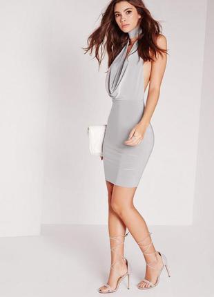Крутое платье с чокером missguided
