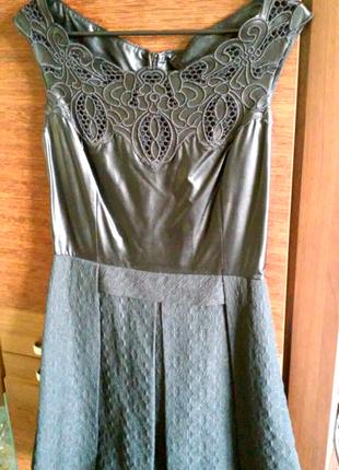 Классное комбинарованное платье жаккард - пе кожа