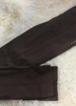 Коричневые брюки , лосины под кожу ginatricot