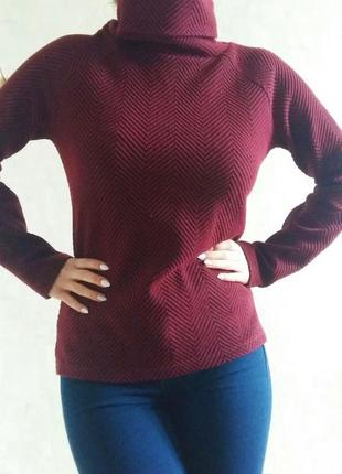 Бордовая кофта свитер под горло stradivarius