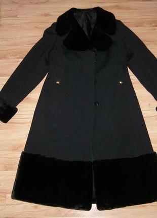 Отличное  элегантное пальто весна-осень