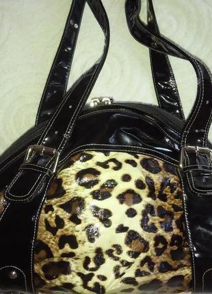 Лаковая сумка в леопардовом окрасе