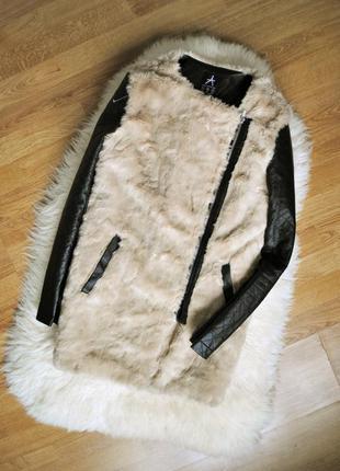 Стильное меховое пальто косуха  с кожаными рукавами atmosphere