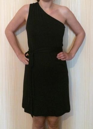 Эффектное платье zara на одно плечо
