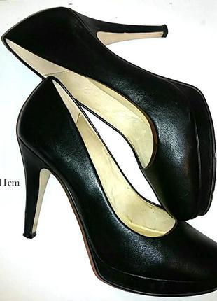 Кожа. шикарные туфли на высоком каблуке