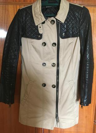 Крутое пальто от stradivarius с кожаными рукавами