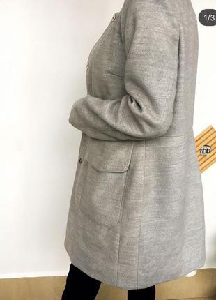 Класичне пальто від reserved