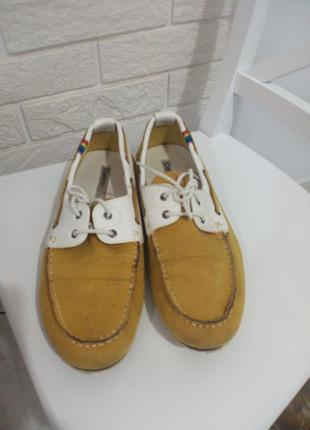 Чоловіче взуття топсайдери жовті