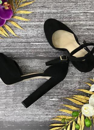 Женственные босоножки на устойчивом каблуке asos  sh180819