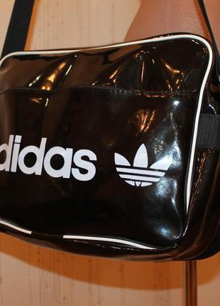 Сумка, сумка спортивная, лаковая сумка2 фото