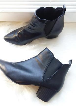 Atm базовые стильные ботинки 39р тренд зауженный носок полусапожки ботильоны лодочки