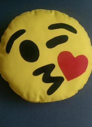 Декоративная подушка emoji smile цемчик №3