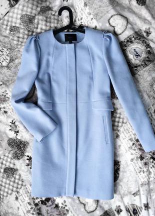 Пальто пастельное голубое
