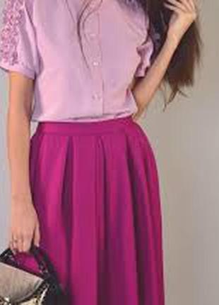 Шикарная миди-юбка цвета фуксии