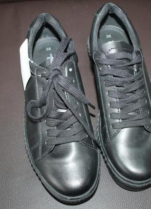 Кожаные кроссовки tamaris