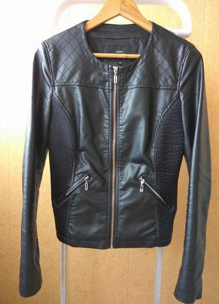 Курточка с эко-кожи ostin