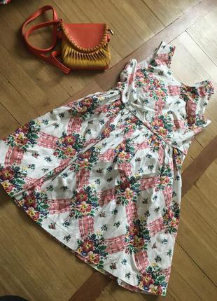 Яркое платье в цветы сарафан