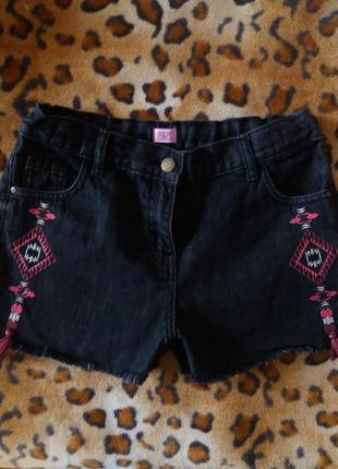 Черные джинсовые шорты с вышивкой f & f 36 р состояние новых!