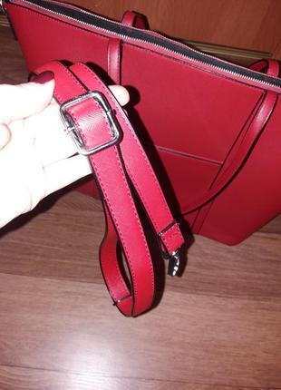 Красная сумка с длинной ручкой в комплекте
