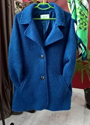Яркое фактурное объемное пальто в стиле бойфренд/кокон от peacocks-l-xl