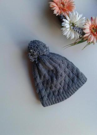 Теплая шапка в косы с помпоном