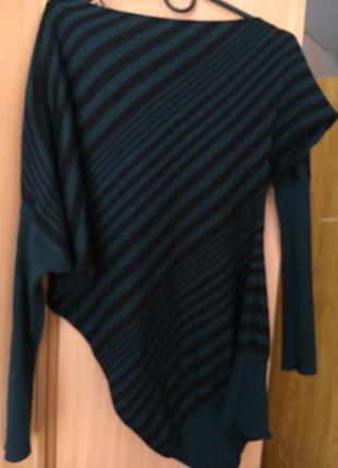Кофта-свитер модного цвета 2018