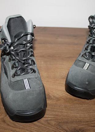 Кожаные ботинки zz