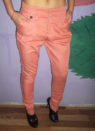 Фирменные штаны чиносы zara