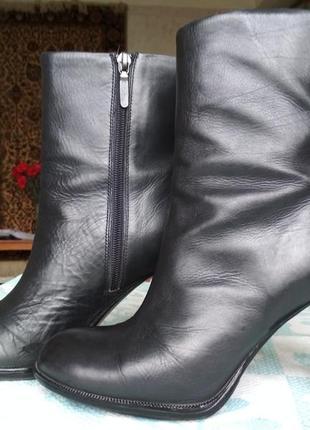 Ботинки на каблуке carlo pazolini