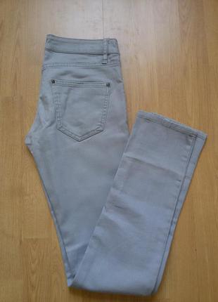 Серые джинсы скинни h&m