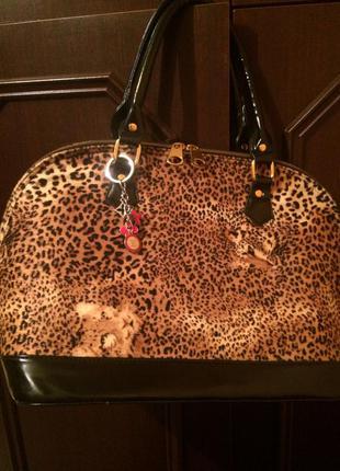 Сумочка с леопардовым принтом