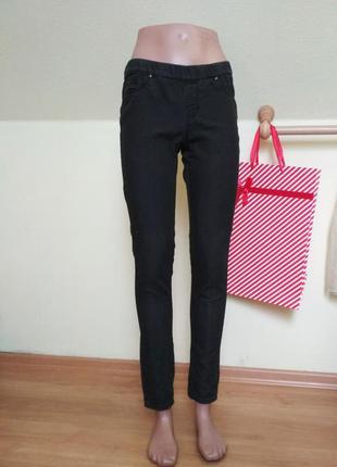 Черные джеггинсы, джинсы скинни