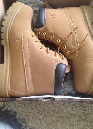 Новые ботинки fila