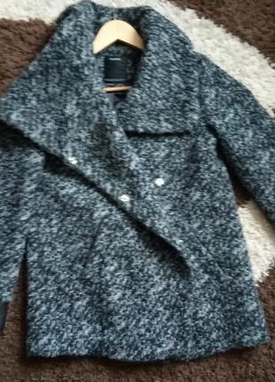 Демисезонное пальто букле yessica