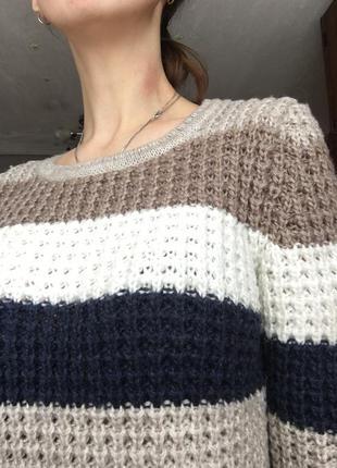 Крутой свитер, классной вязки