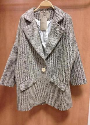 Трендовое пальто-пиджак zara