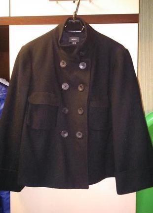 Пальто черное фирменое