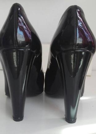 Шикарные лаковые туфли, высокий каблук! орегинал!3