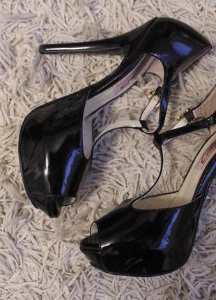 Туфли шпилька лаковые