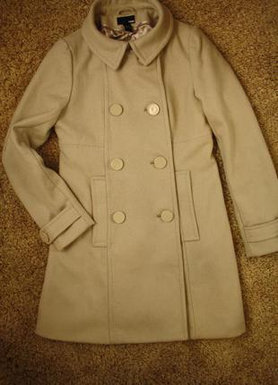 Пальто 60% шерсть с завышенной линией талии