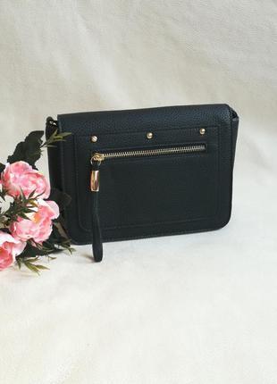 Черная сумка через плечо кросс-боди