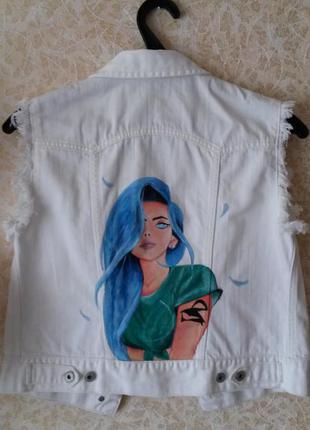 Джинсовая жилетка безрукавка с рисунком