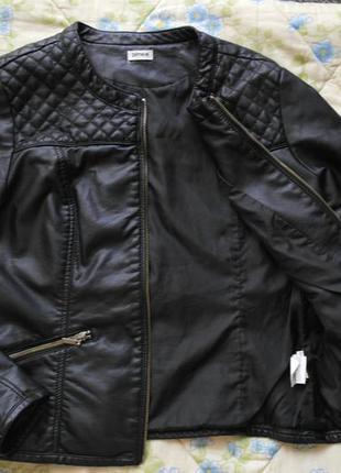 Красивая курточка из эко-кожи