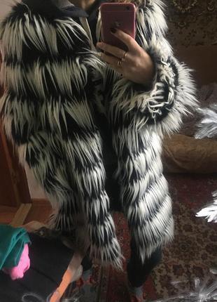 Актуальная шуба пальто в полоску