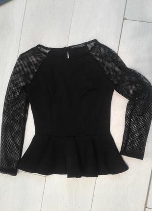 Красивая блуза с баской от atmosphere